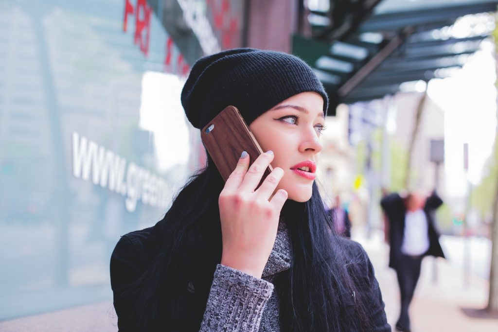 電話に積極的に誘導するアフィリエイト広告は、掲載してはダメ